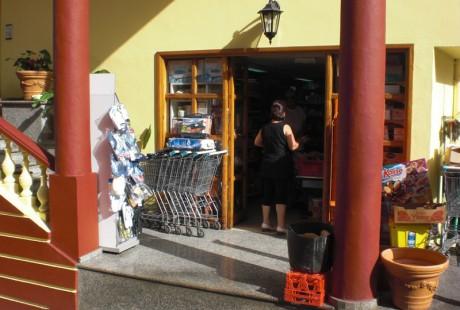 Fachada Supermercado Bernal · Alimentación · San Andrés y Sauces
